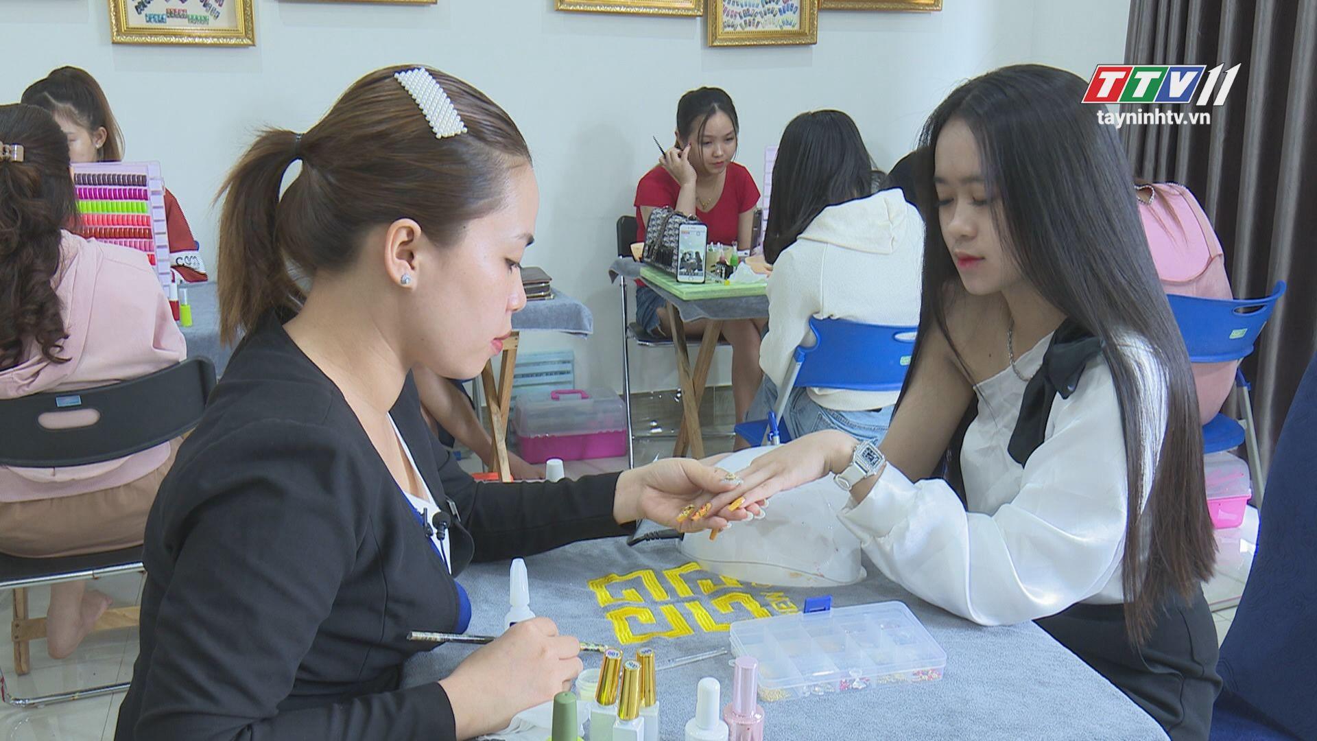 Các hoạt động ý nghĩa của chị em phụ nữ khi Tết đến xuân về | TẠP CHÍ PHỤ NỮ | TayNinhTV