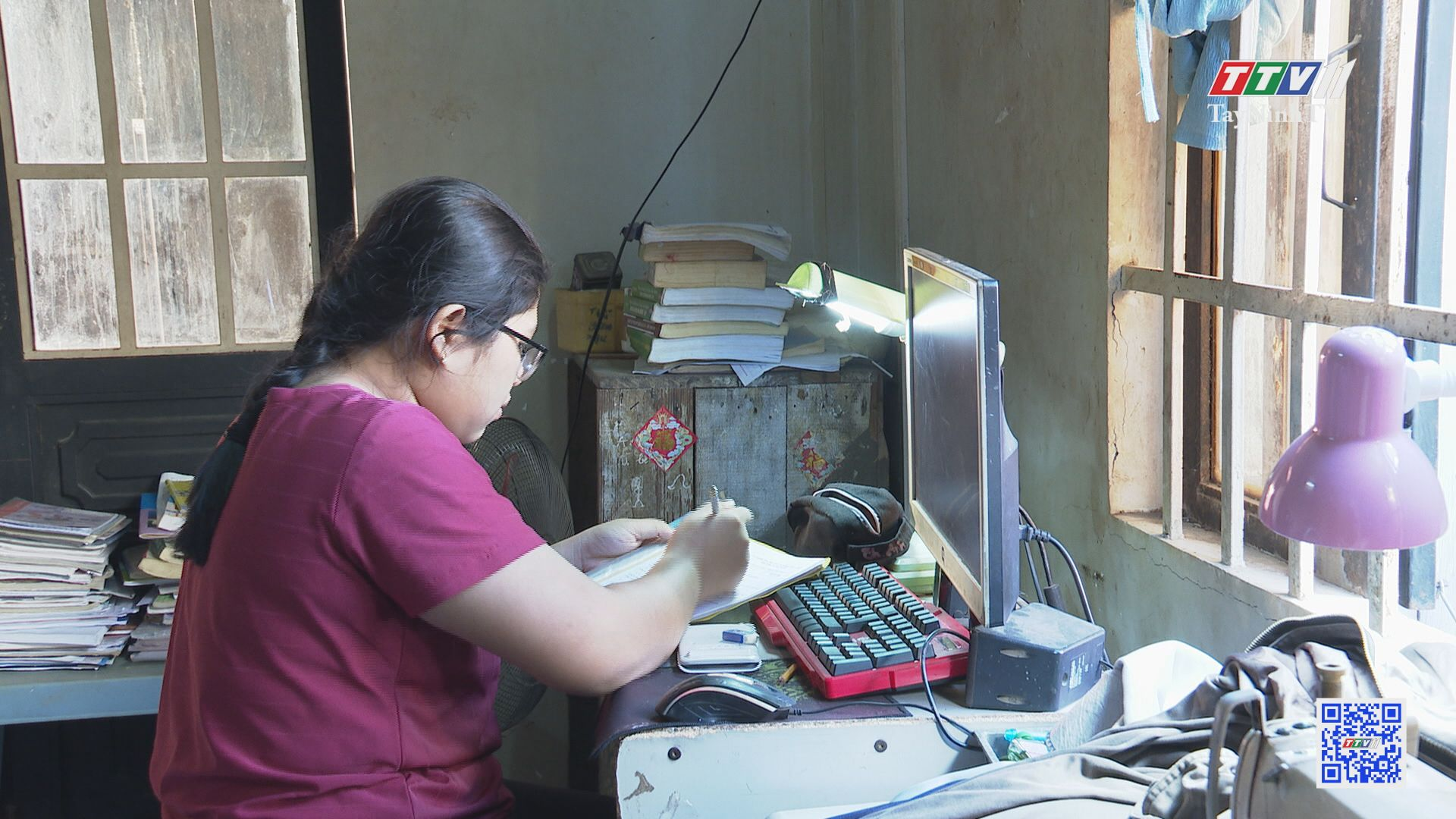 Thúy Anh-Cô học trò vươn lên từ nghịch cảnh | KHUYẾN HỌC KHUYẾN TÀI | TayNinhTV