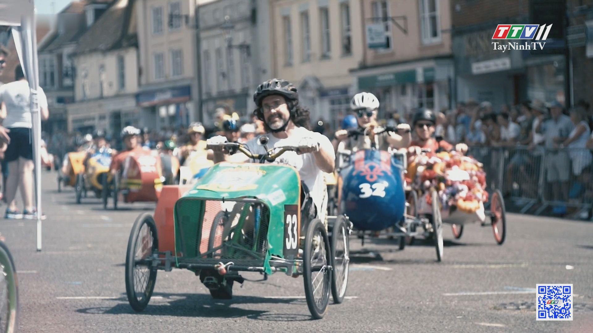 Giải đua xe đạp chân ngộ nghĩnh ở Anh | CHUYỆN ĐÔNG TÂY KỲ THÚ | TayNinhTVE