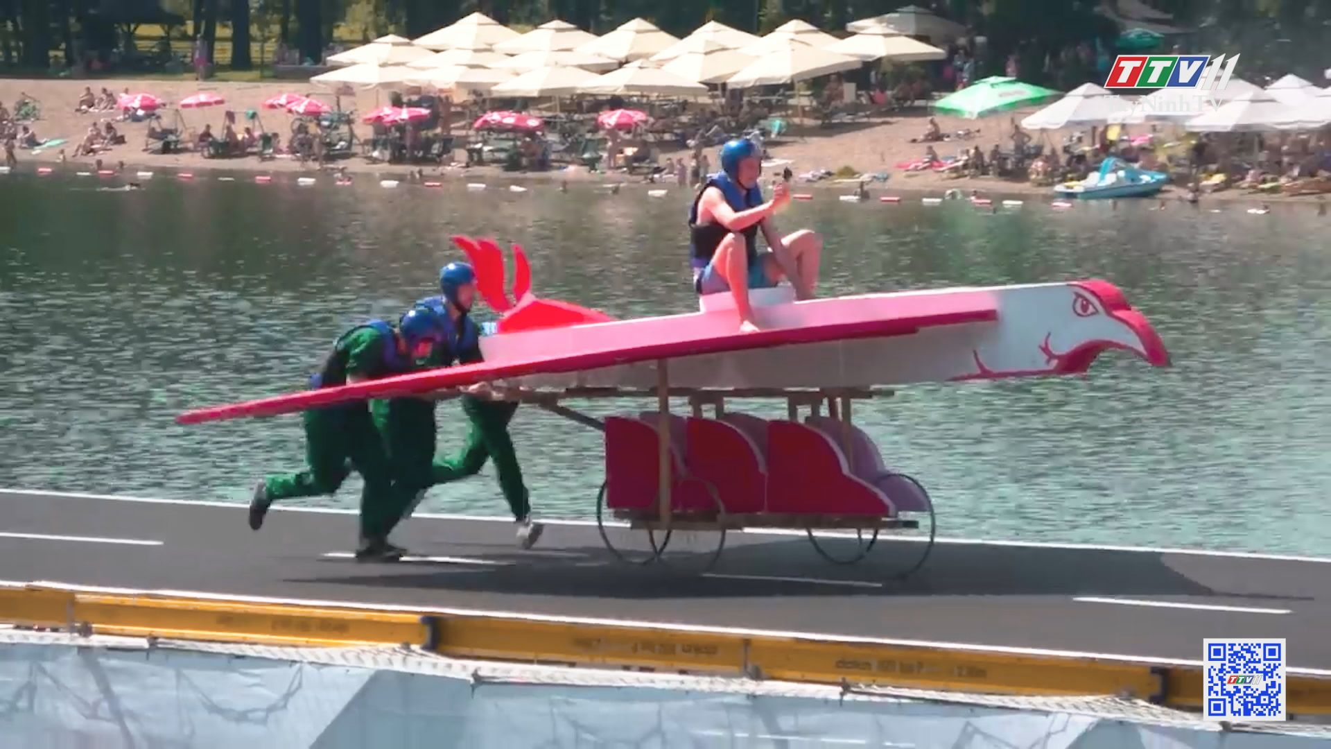 Kỳ thú cuộc thi máy bay tự chế tại Nga | CHUYỆN ĐÔNG TÂY KỲ THÚ | TayNinhTV